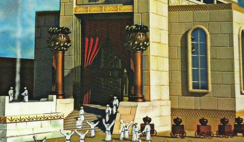 fasad-hrama-s-kolonnami