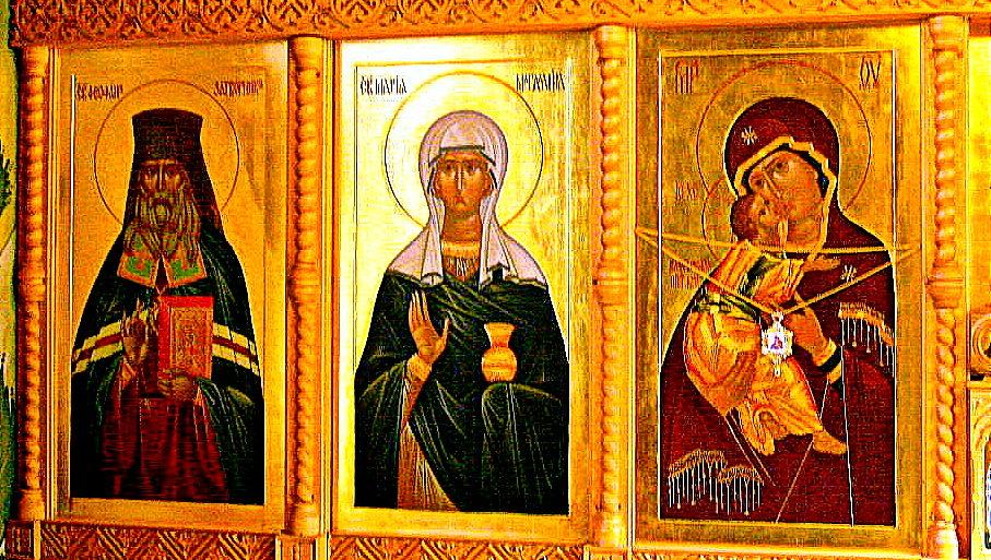 mariya-magdalina-v-tsentre-ikonostas-tserkvi-blizlezhaschego-pravoslavnogo-monastyrya