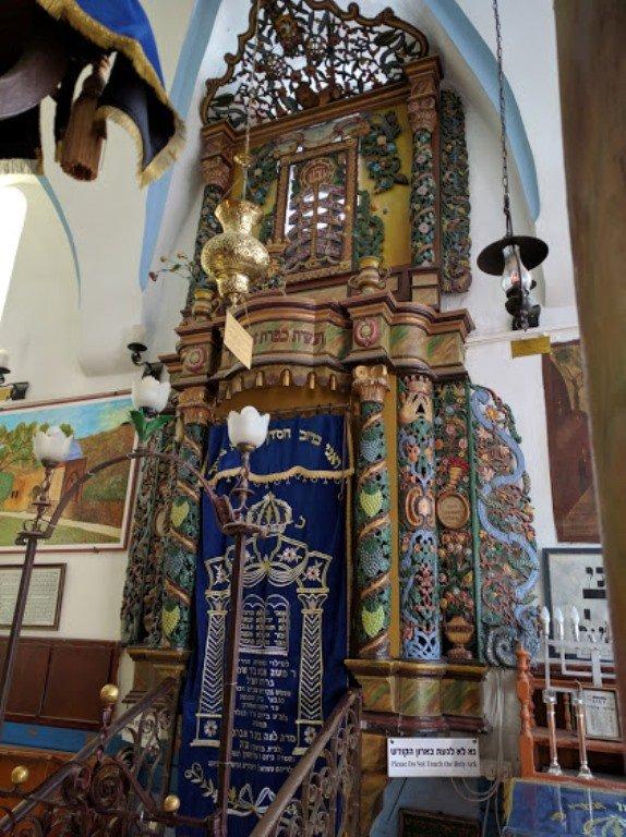 Арон аКодеш. Ковчег Торы в синагоге АРИ. Цфат. Израиль