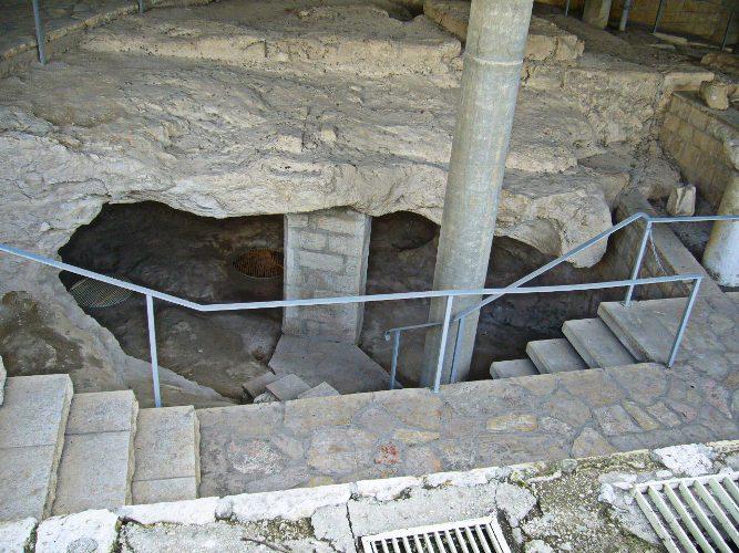 arheologicheskie-raskopki-zhiloe-pomeschenie-1-vek-ne