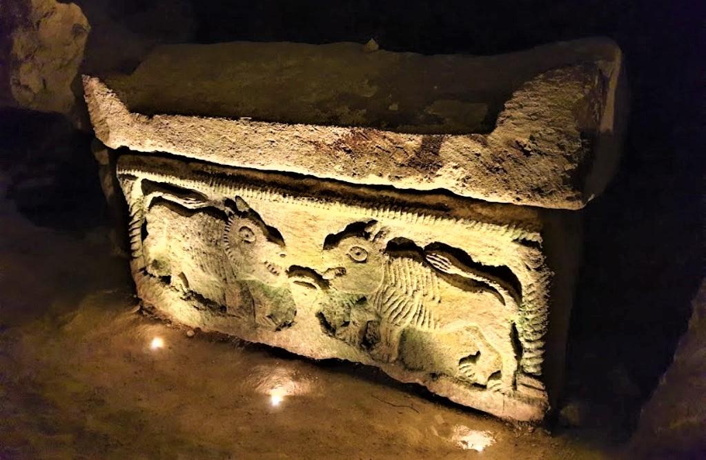 sarkofag-iz-bejt-shearim-2-vek-ne