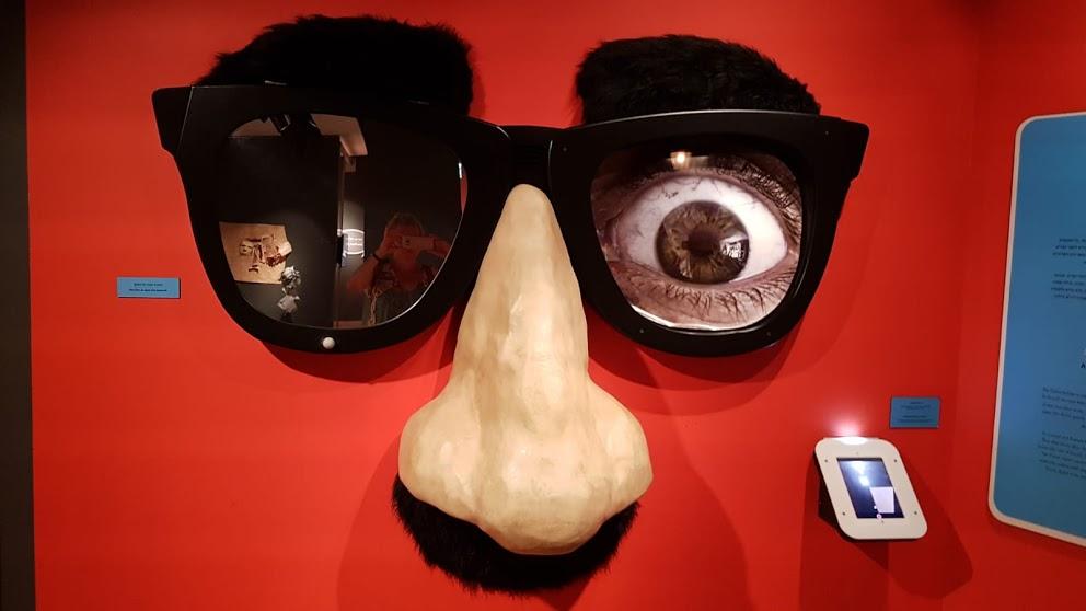 kollazh-v-muzee-evrejskogo-naroda